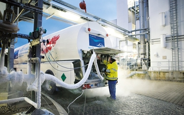 Linde driver Manfred Wieland fills his trailor with liquid nitrogen